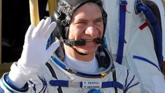 Astronauta mostra como é fazer uma pizza no espaço