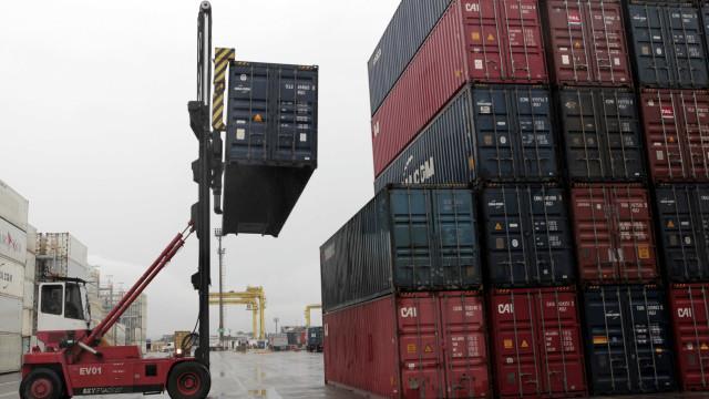 Balança comercial registra superávit de US$ 1,6 bi em março