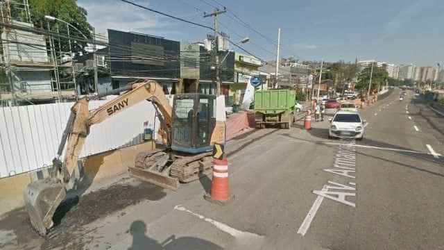Motorista embriagada atropela mulher, xinga PMs e é presa no Rio