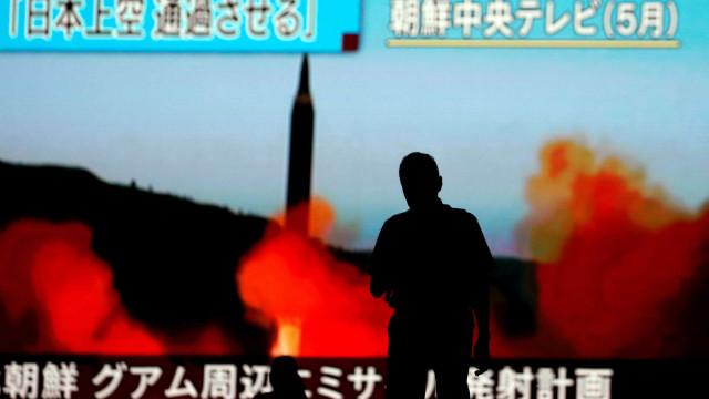Kim usou motor contrabandeado para lançar novos mísseis, afirma estudo