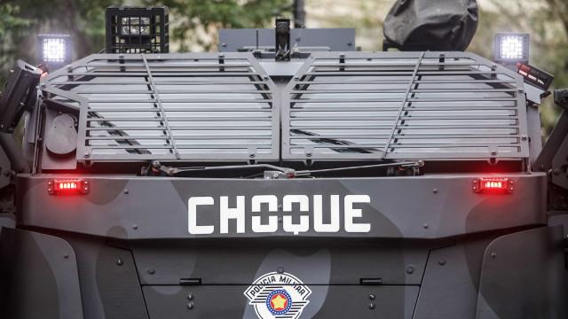 Polícia adota barricada de carros e canhão de luz contra ataque do PCC