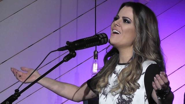 Ana Paula Valadão revela que amigo passou por 'cura gay': 'Inspiração'