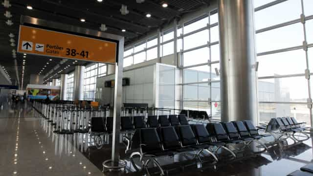 Aéreas começam a fechar vagas com aumento da crise do coronavírus