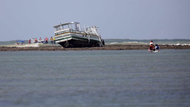 Retomadas buscas por duas vítimas do naufrágio na Bahia