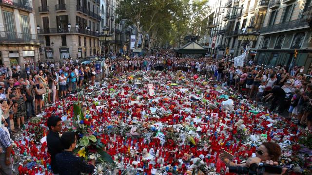 Sobe para 16 o número de mortes em ataques na Catalunha