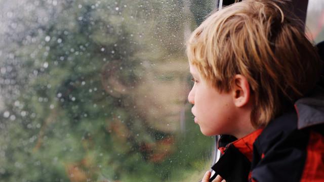 Quarentena gera ansiedade e agressividade em crianças com autismo