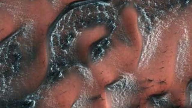 Nasa revela foto que mostra dunas de neve de Marte; veja