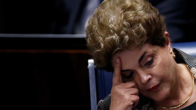 Em entrevista a TV Portuguesa Dilma diz que era 'work alcoolic'