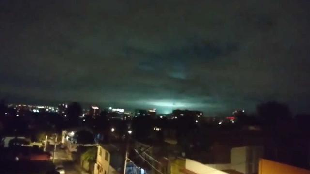 Luzes misteriosas são avistadas no céu do México durante terremoto