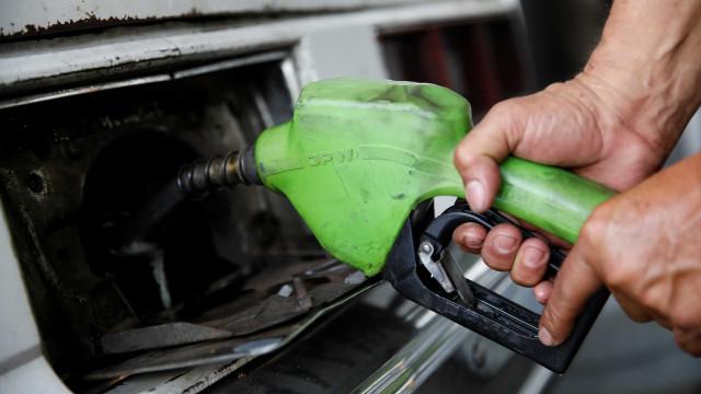 Mesmo com subsídio, preço do diesel nas refinarias sobe pelo 2º mês