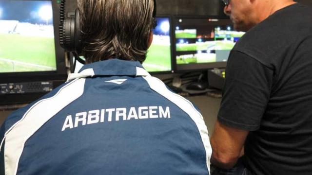 CBF admite etapas queimadas ao adotar arbitro de vídeo