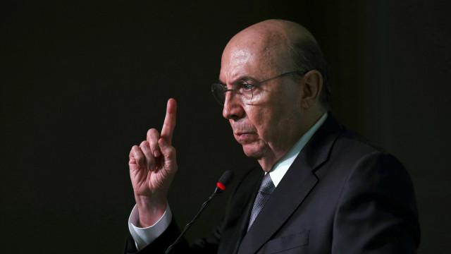 Governo segue comprometido com reformas após rebaixamento, diz Fazenda