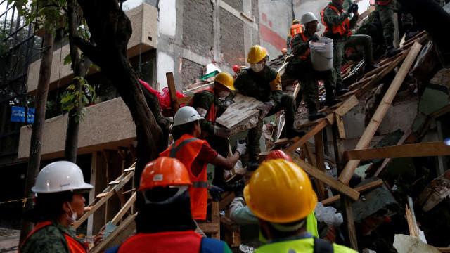México: mortos já são 286; 2 brasileiros ficaram feridos