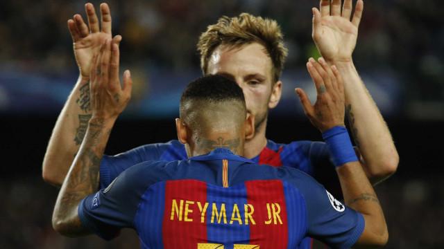 Rakitic sobre saída de Neymar: 'Temos que respeitá-lo'