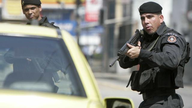 Bandidos sequestram 2 pessoas na Zona Sul do Rio