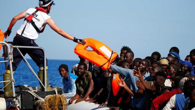 Mais de 150 imigrantes são resgatados na Espanha