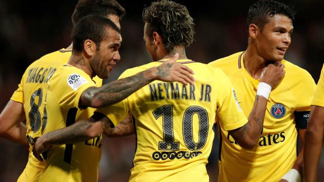Dani Alves, T. Silva e Neymar são os mais convocados na atual seleção