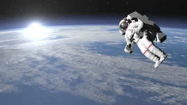 Cosmonautas divulgam 1º vídeo panorâmico do espaço em 360°