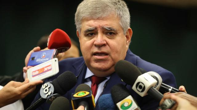Ministro de Temer defende impeachment de ministros do STF