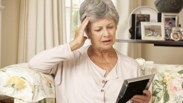 Cientistas descobrem novos caminhos para tratar Alzheimer