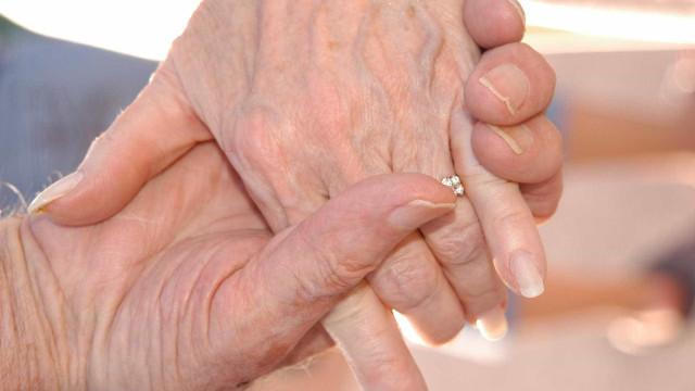 Menores são detidos após assaltar idosos com chave de fenda em SP