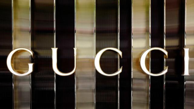 Gucci assina parceria com marca japonesa em bolsa shopper