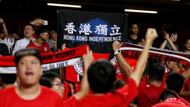 China prevê prisão para quem vaiar hino em estádio