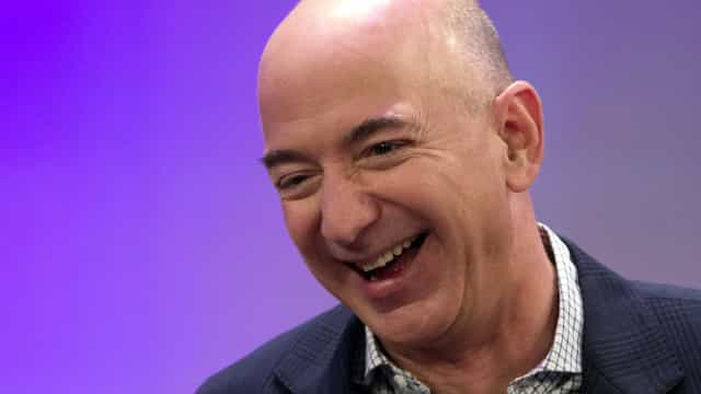 Forbes: Jeff Bezos supera Bill Gates e se torna americano mais rico