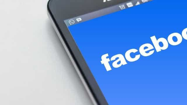 UE dá prazo para resposta do Facebook sobre uso de dados