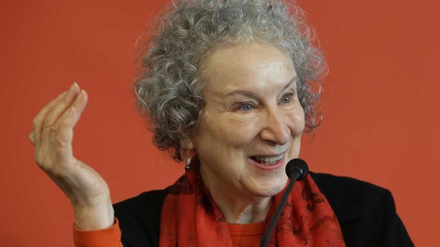 Margaret Atwood luta pela legalização do aborto na Argentina