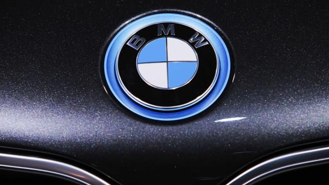 BMW que atropelou mãe e filhos em SP está há 6 anos sem licenciamento