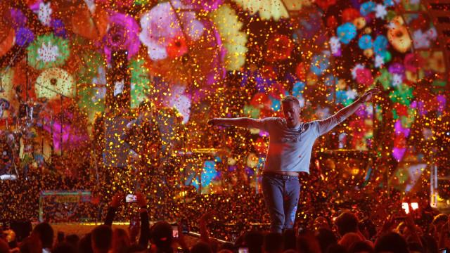 Festival Glastonbury terá live com Coldplay após 2 cancelamentos na pandemia