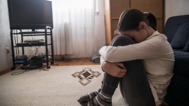 Confinamento deixa 75% dos alunos ansiosos, irritados ou tristes