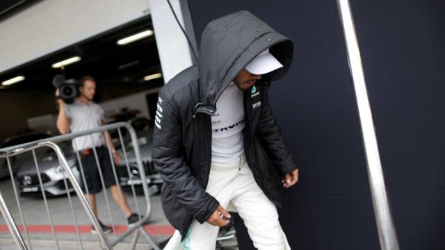 Hamilton bate em treino e largará em último no GP Brasil; Bottas é pole