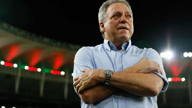 Abel Braga critica suspensão na Libertadores por atraso do Flamengo