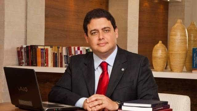 Após crítica de Bolsonaro, presidente da OAB diz que exame protege o cidadão