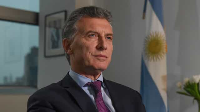 Ministro da Fazenda da Argentina entrega cargo