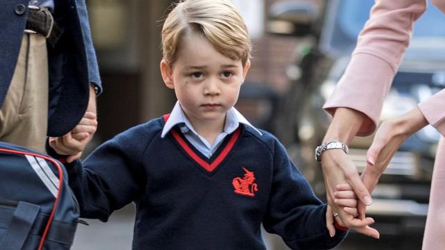 Para protegê-lo, Príncipe George não sabe que um dia será rei