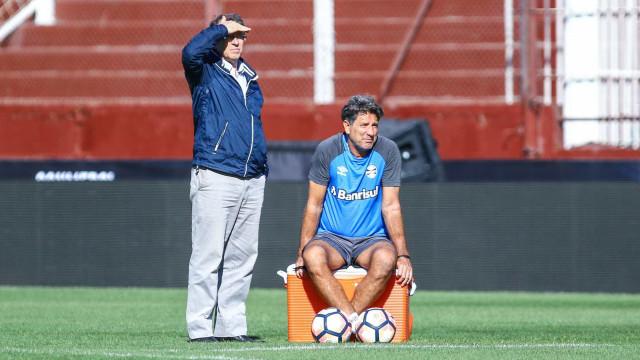 Grêmio sofre com logística para o Mundial e reclama de pouco tempo
