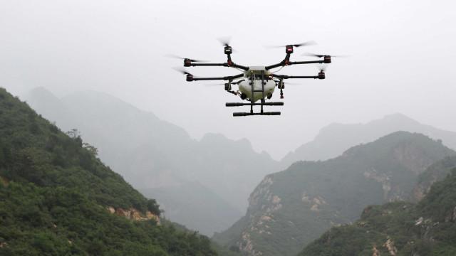 Polícia do Reino Unido liberta suspeitos no caso dos drones em Gatwick