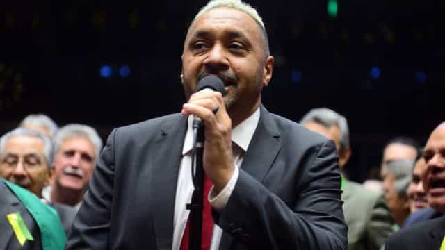 'Enganei você', diz Tiririca ao voltar a pedir votos como deputado