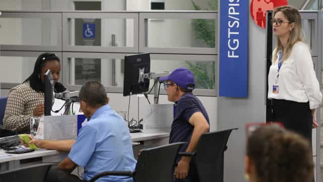 Saques do FGTS devem injetar R$ 30 bi na economia