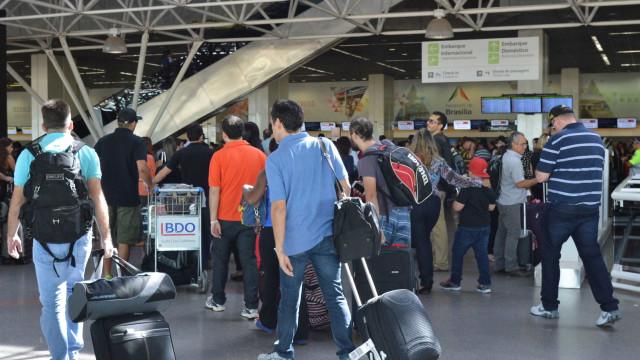 Greve corta abastecimento de combustível no Aeroporto de Brasília