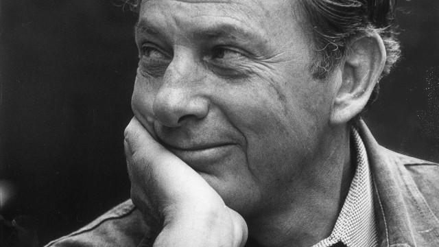 Escritor Clifford Irving morre aos 87 anos nos Estados Unidos