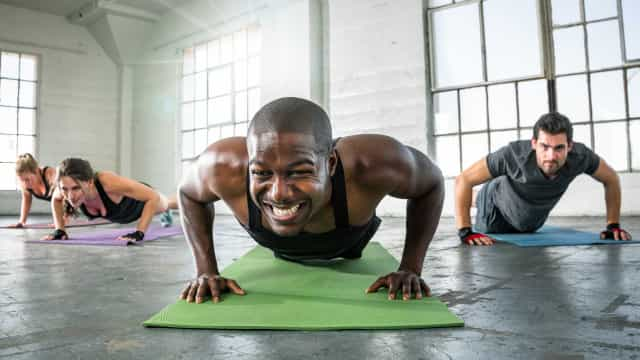 Três tipos de flexões para três objetivos diferentes