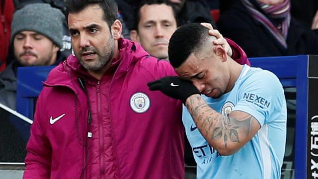 Guardiola prevê Gabriel Jesus fora por 4 ou 6 semanas após exames