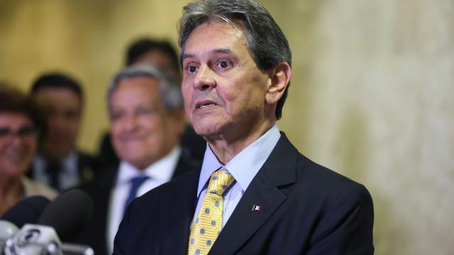 PTB pede para Mendes tirar do plenário ação que beneficia Maia e Alcolumbre