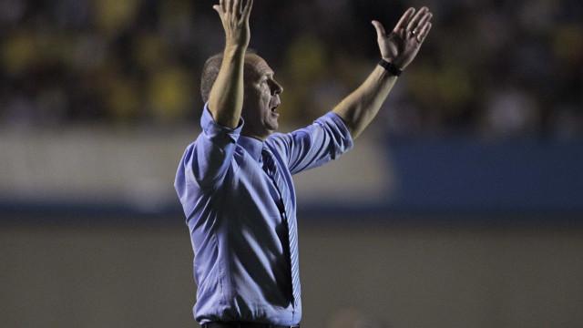 Palmeiras goleia o CSA por 6 a 2 e segue na cola do líder Flamengo