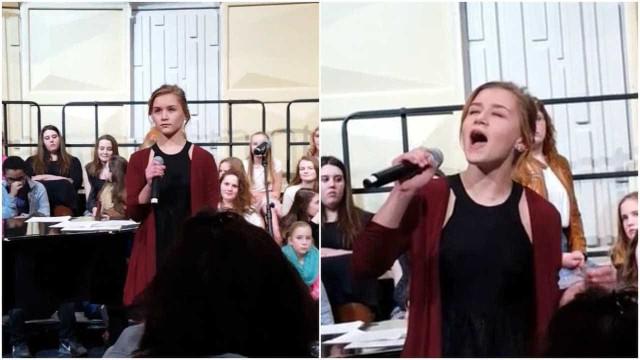 Jovem comove audiência ao cantar música de Etta James