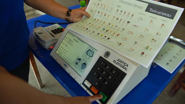 AGU divulga cartilha sobre conduta de agentes públicos nas eleições